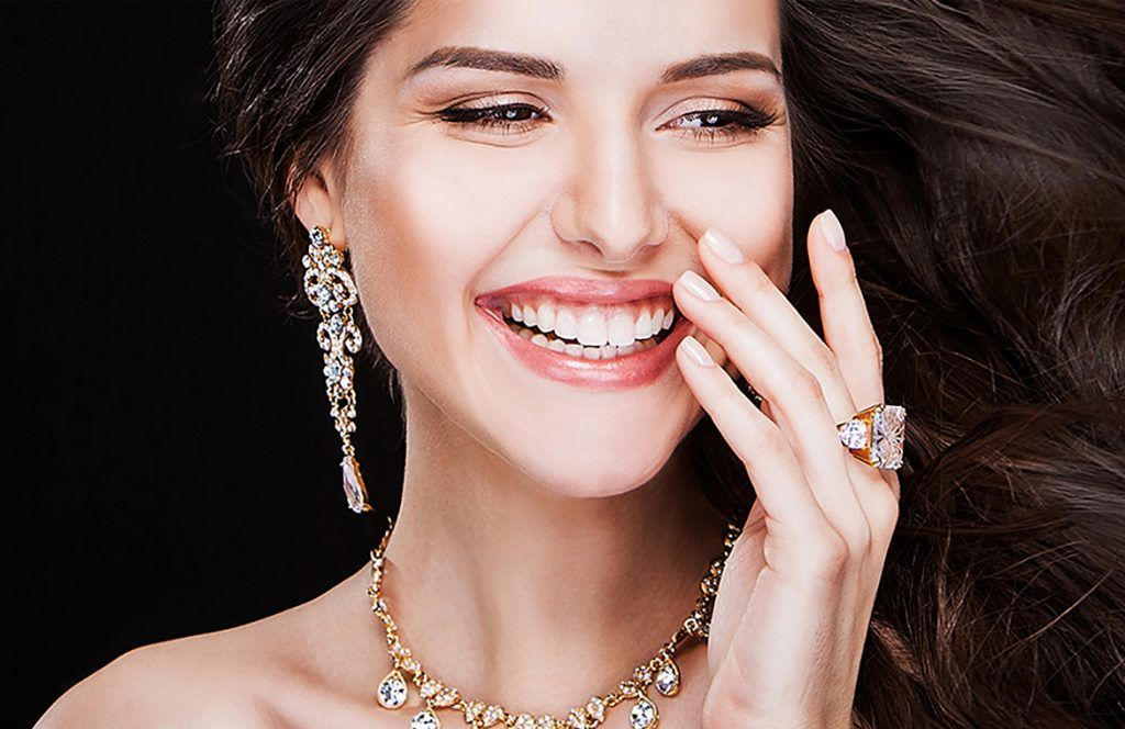 KEEP YOUR JEWELRY SPARKLING LIKE NEW! 1